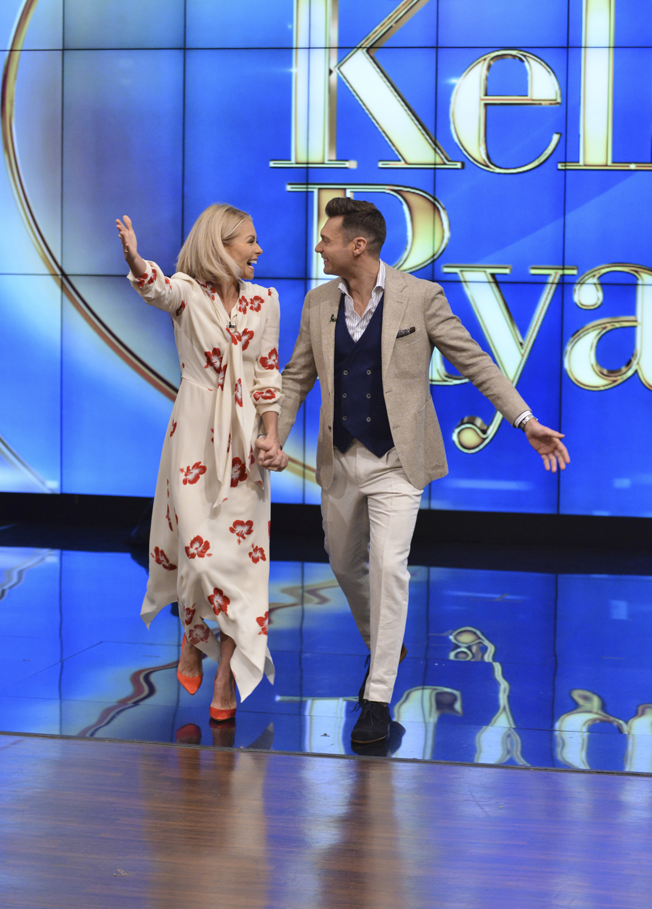 Live with Kelly and Ryan: Seacrest to Cohost ABC Daytime ...