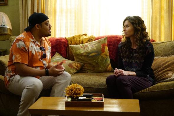 Speechless TV show on ABC: (canceled or renewed?)