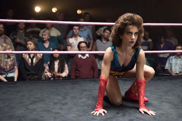 GLOW TV show on Netflix: canceled or season 2? (release date)