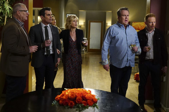 Modern Family TV show on ABC: season 8 viewer voting (episode ratings)