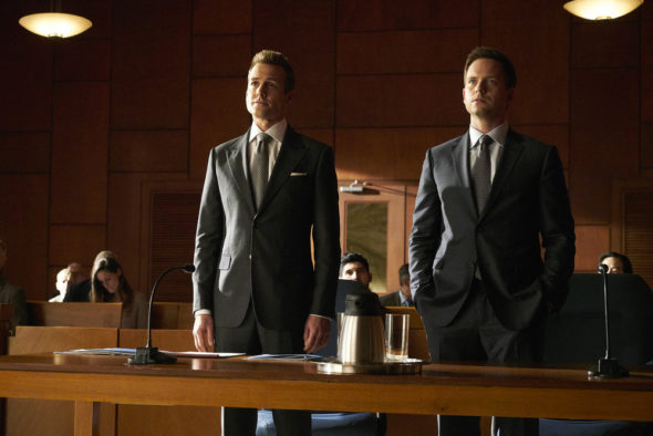 The Television Vulture is watching the Suits TV show on USA: canceled or season 8? (release date)