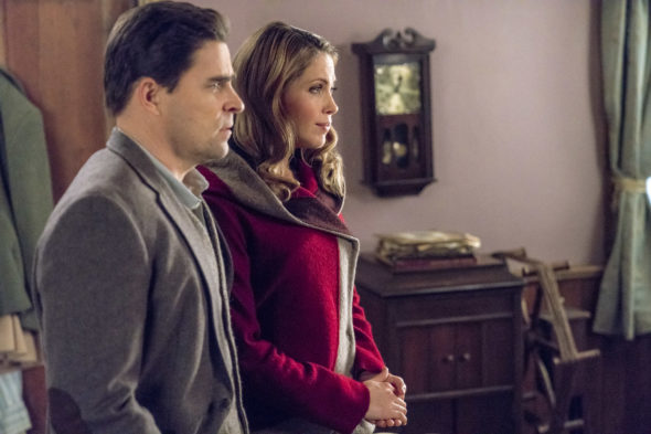 When Calls the Heart TV show on Hallmark Channel: season 5 premiere (canceled or renewed?)