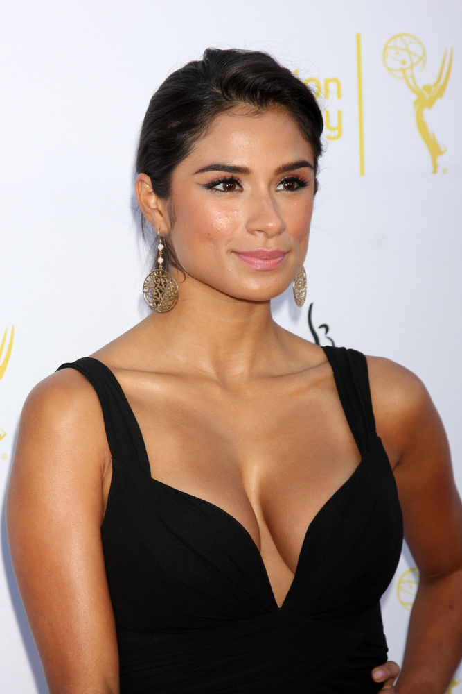 Superior Donuts Tackles Immigration & Deportation In ...  |Diane Guerrero Superior Donuts