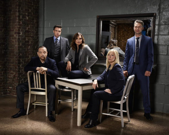 Nbc Christmas Specials 2019.Law Order Svu Nbc Tv Show Cancelled Or Season 20