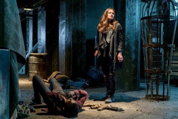Van Helsing TV show on Syfy: cancel or season 3? (release date); Vulture Watch