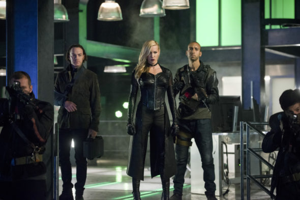 Arrow TV show on The CW: canceled or season 7? (release date); Vulture Watch