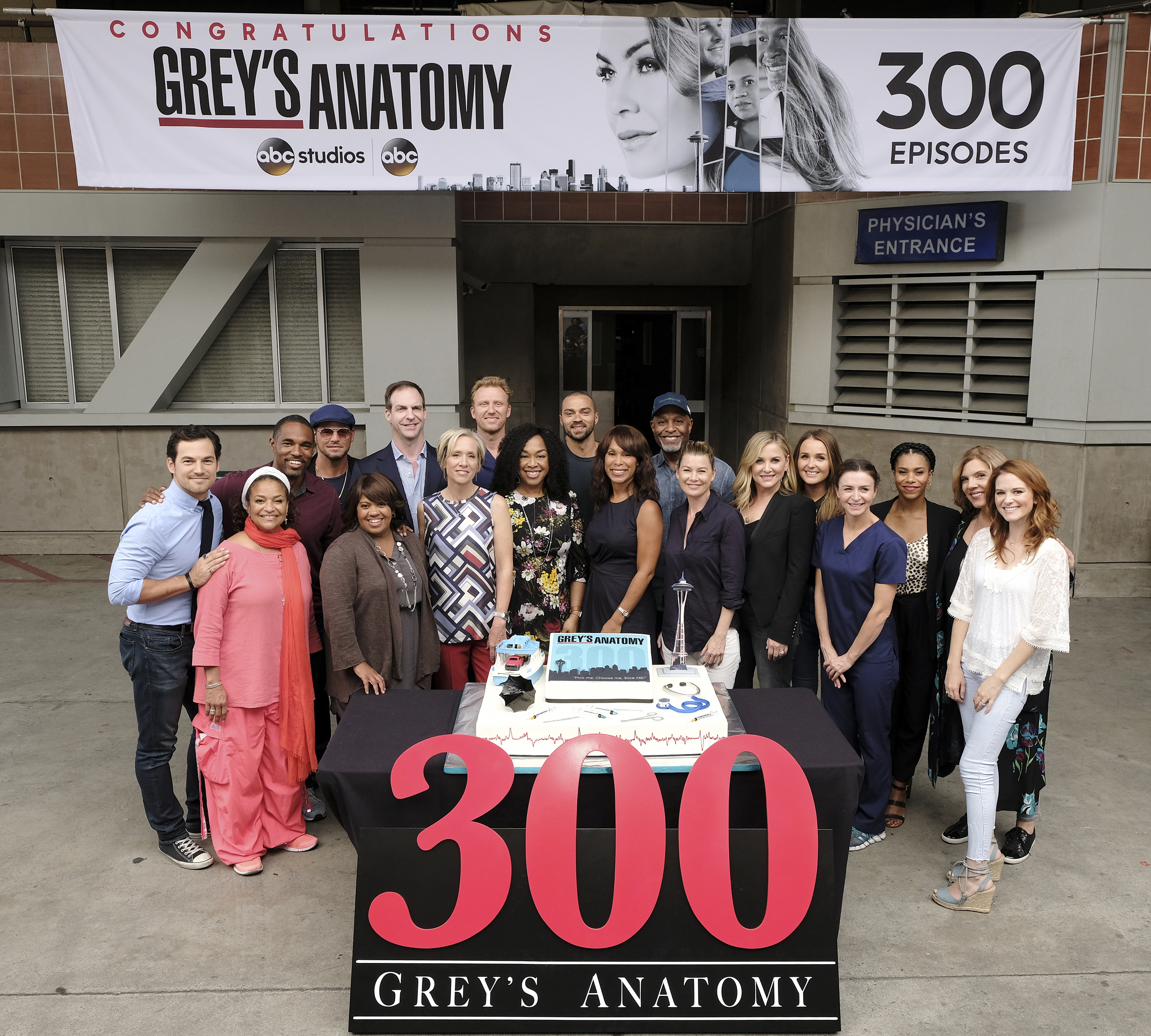 Greys Anatomy Abc To Celebrate 300th Episode Of Their Top Rated