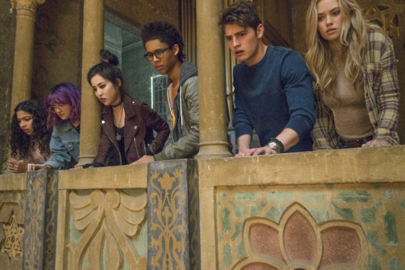 Marvel's Runaways TV show on Hulu: canceled or season 2? (release date); Vulture Watch