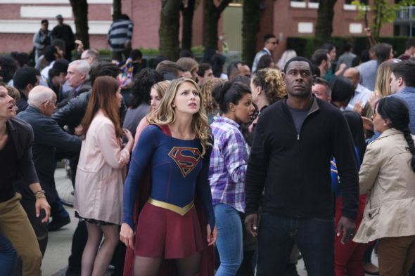 Supergirl TV show on The CW: cancel or season 4? (release date); Vulture Watch
