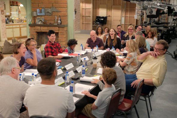 ABC announces Roseanne TV series release date; Roseanne TV show on ABC: season 10 premiere date (canceled or renewed?)