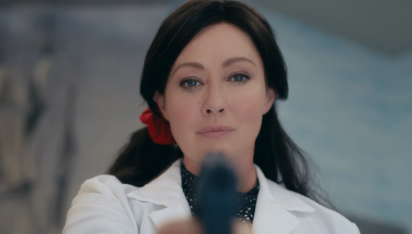 'Heathers' Reboot: Shannen Doherty Returns In The Most Insane NSFW Trailer