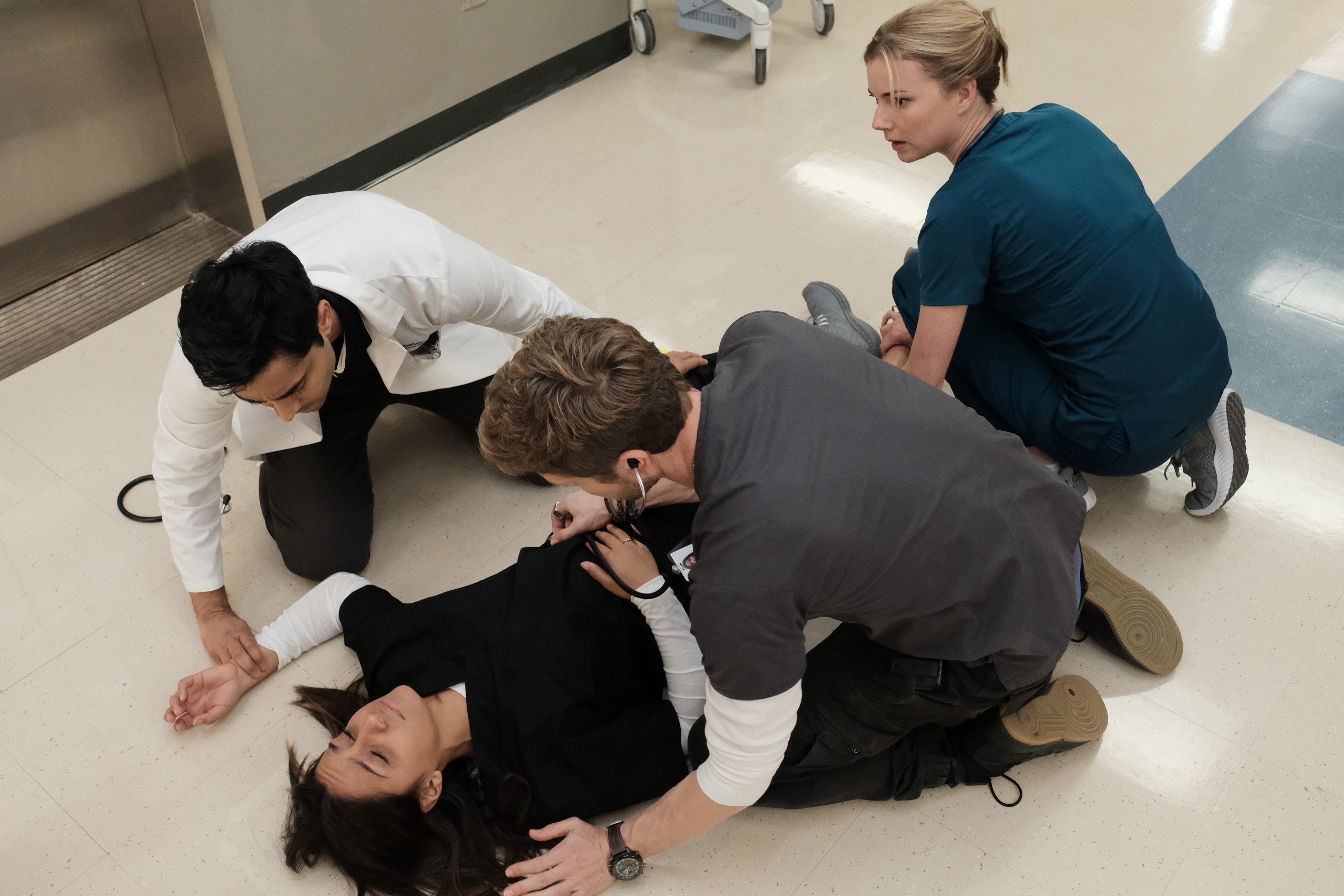 the resident - photo #28