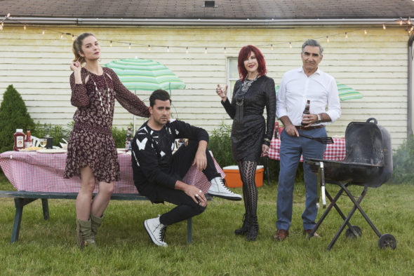 Schitt's Creek TV show on Pop: season 5 renewal (canceled or renewed?)