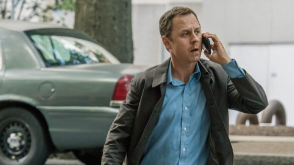 Sneaky Pete TV show on Amazon: (canceled or renewed?)