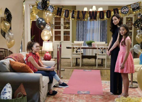 Star Falls TV show on Nickelodeon: season 1 viewer votes episode ratings (canceled renewed season 2?)