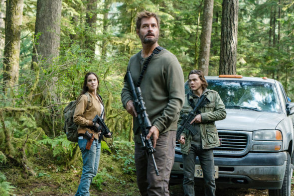 Colony TV show on USA Network: season 3 viewer votes episode ratings (canceled or renewed season 4?); Pictured: (l-r) Sarah Wayne Callies as Katie Bowman, Josh Holloway as Will Bowman, Alex Neustaedter as Bram Bowman