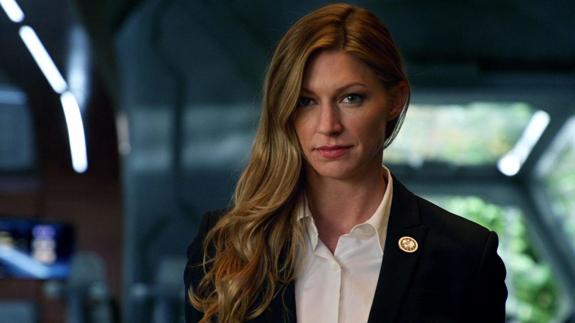 Dc S Legends Of Tomorrow Season Five Jes Macallan Returning To