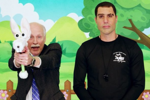 Arpaio speaks to toy doughnut in new Baron Cohen's show