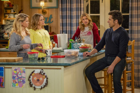 Fuller House on Netflix: Cancelled or Season 5? (Release Date