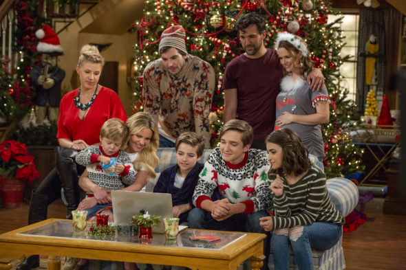 Fuller House TV show on Netflix: season 5 renewal; fifth and final season (canceled or renewed?)