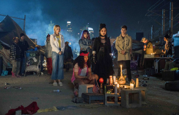 Marvel's Runaways TV show on Hulu: canceled or season 3? (release date); Vulture Watch