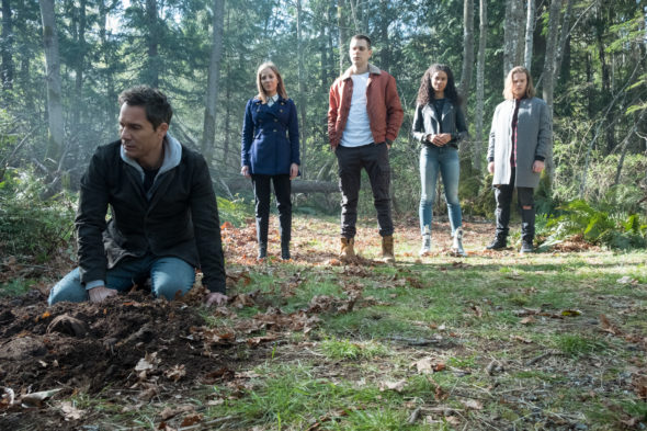 Travelers TV show on Netflix: canceled, no season 4 (canceled or renewed?)