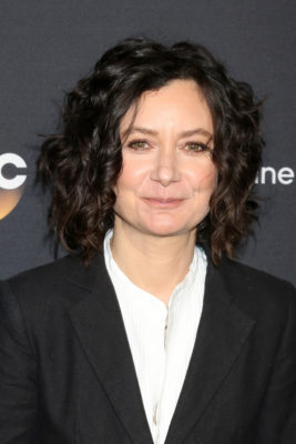 Sara Gilbert joins Atypical TV show on Netflix: (canceled or renewed?)