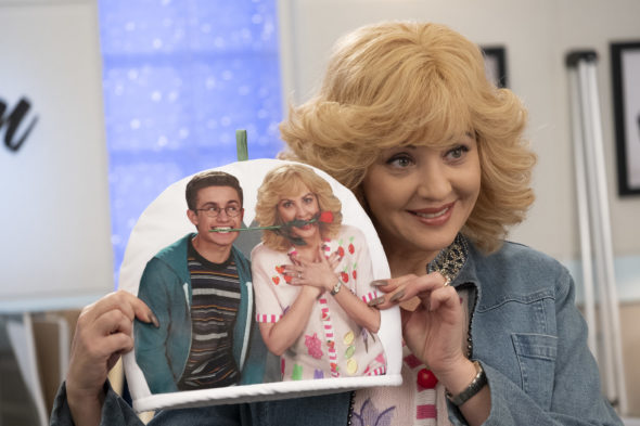 The Goldbergs TV show on ABC: season 7 renewal for 2019-20 television season