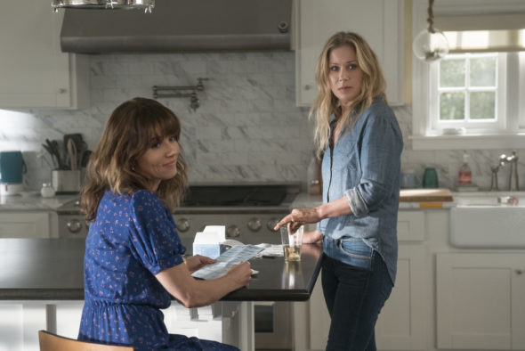 Dead to Me TV show on Netflix: season 2 renewal (canceled or renewed?); Pictured: Linda Cardellini, Christina Applegate