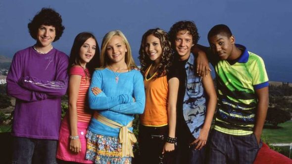Zoey 101 Talk Of A Reboot Reunites Nickelodeon Cast