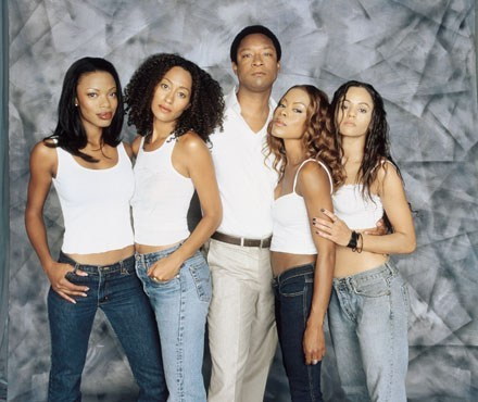 Girlfriends TV show on UPN: (canceled or renewed?)