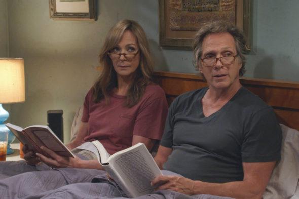 Mom TV show on CBS: canceled or renewed for season 8?