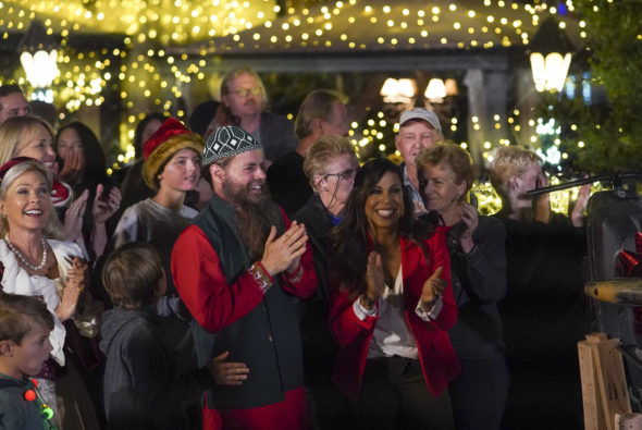 The Great Christmas Light Fight TV show on ABC: canceled or renewed for season 8?