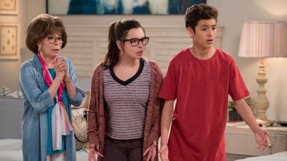 One Day at a Time TV show on CBS: season 4 premiere