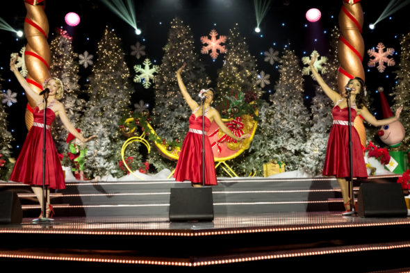 The Christmas Caroler Challenge TV Show on The CW: canceled or renewed?