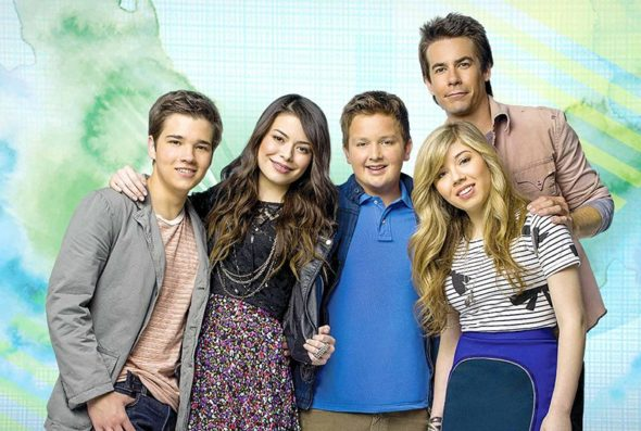 iCarly TV show on Nickelodeon: canceled or renewed?