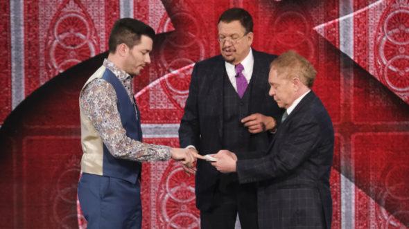 Penn & Teller TV show on The CW: season 8 renewal