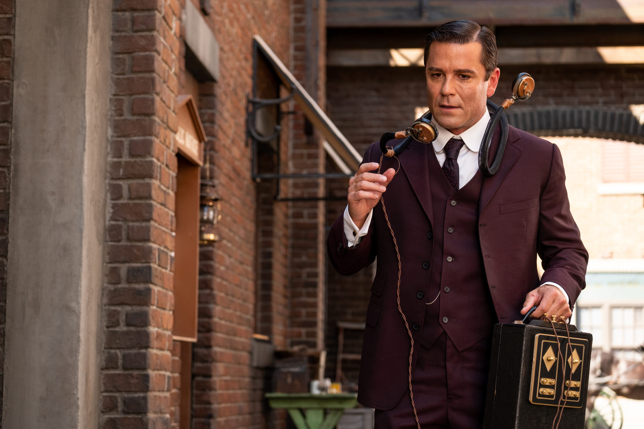 Murdoch Mysteries Christmas Special 2021 Murdoch Mysteries Season 14 Premiere Date Announced By Ovation Canceled Renewed Tv Shows Tv Series Finale