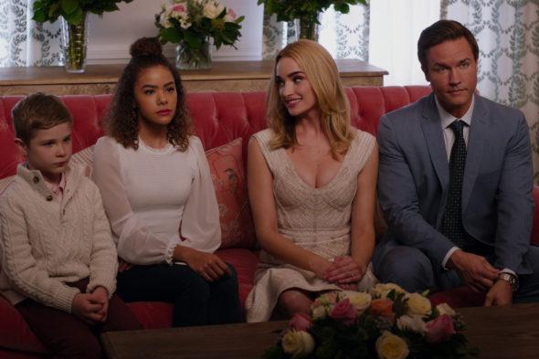 Ginny & Georgia TV show on Netflix: canceled or renewed for season 2?