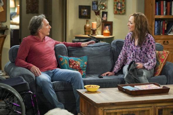 Mom TV show on CBS: canceled or renewed?
