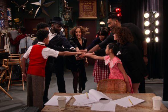 Family Reunion TV show on Netflix: (canceled or renewed?)